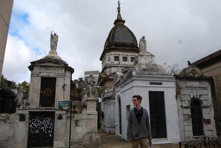 Bobby på Recoleta kirkegården. Den er fyldt med virkelig imponerende bygningsværker!