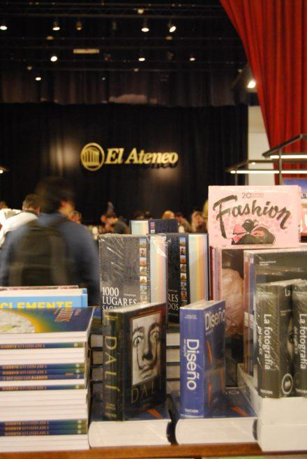 Ateneo er et theater-made-bookshop. Det er et af de kendte steder i Buenos Aires og et must for boginteresserede som jeg selv!