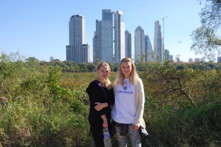 I Reserva Ecológica - Buenos Aires i baggrunden